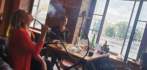 Лофт кафе с красивым видом в центре Москвы